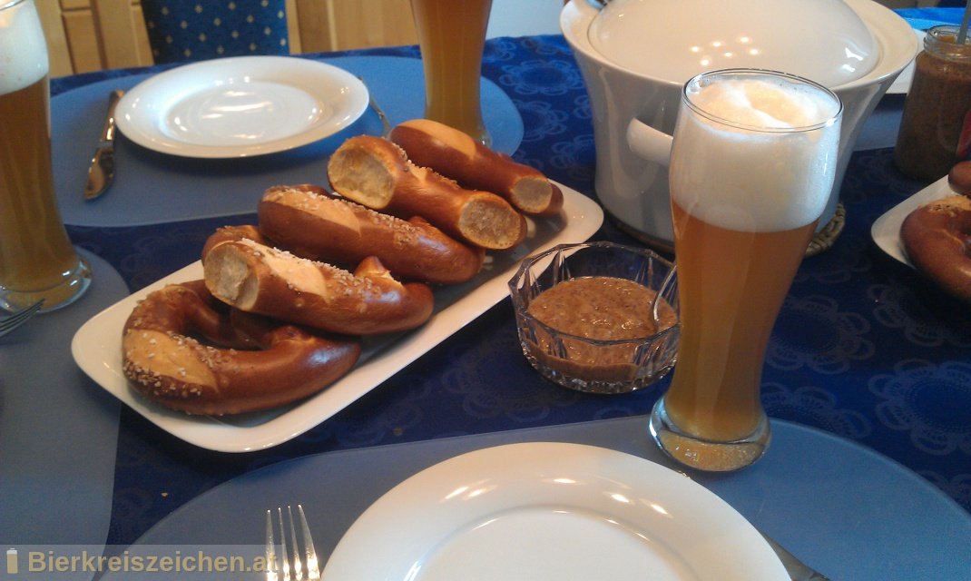 Foto eines Bieres der Marke Kapuziner Weißbier aus der Brauerei Kulmbacher Brauerei