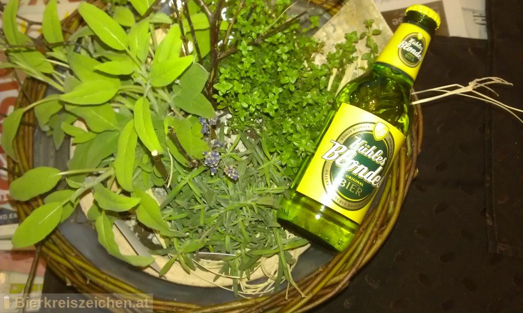 Foto eines Bieres der Marke Kühles Blondes aus der Brauerei Ottakringer Brauerei