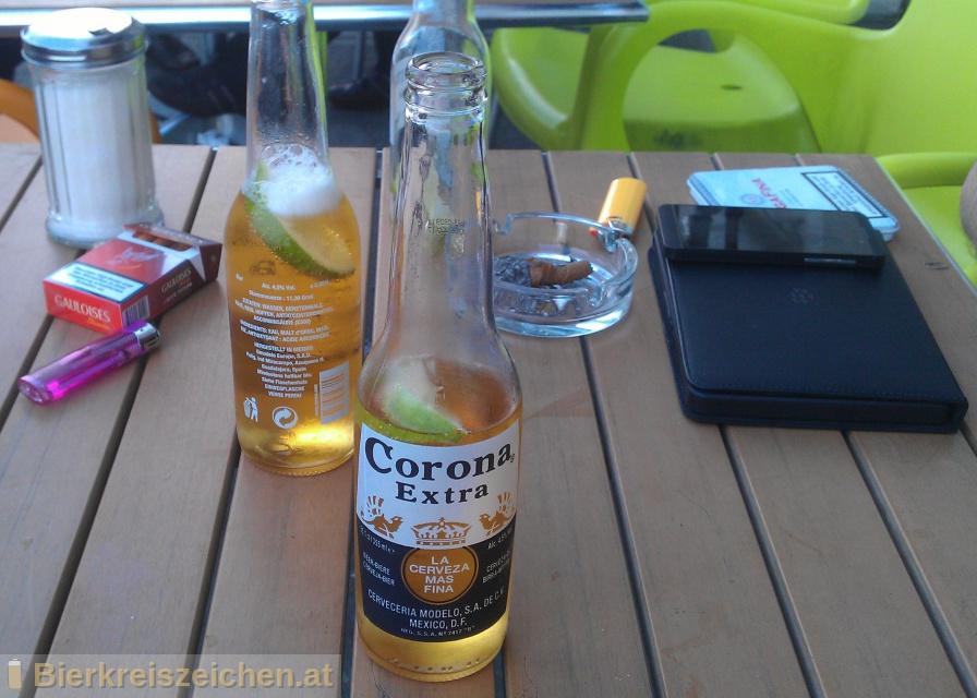 Foto eines Bieres der Marke Corona Extra aus der Brauerei Grupo Modelo