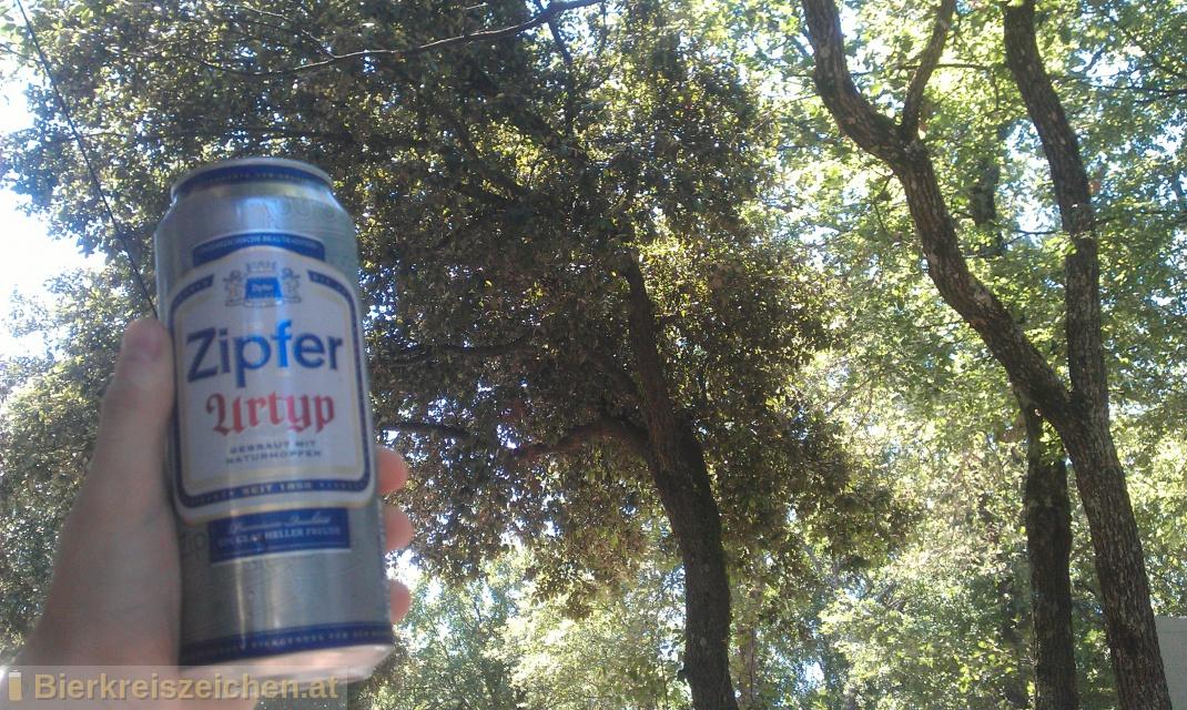 Foto eines Bieres der Marke Zipfer Urtyp aus der Brauerei Brauerei Zipf