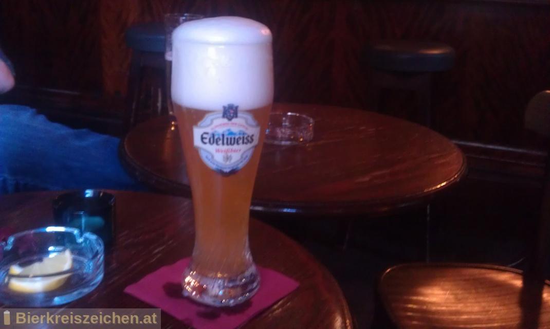 Foto eines Bieres der Marke Edelweiss Hefetrüb aus der Brauerei Brau Union