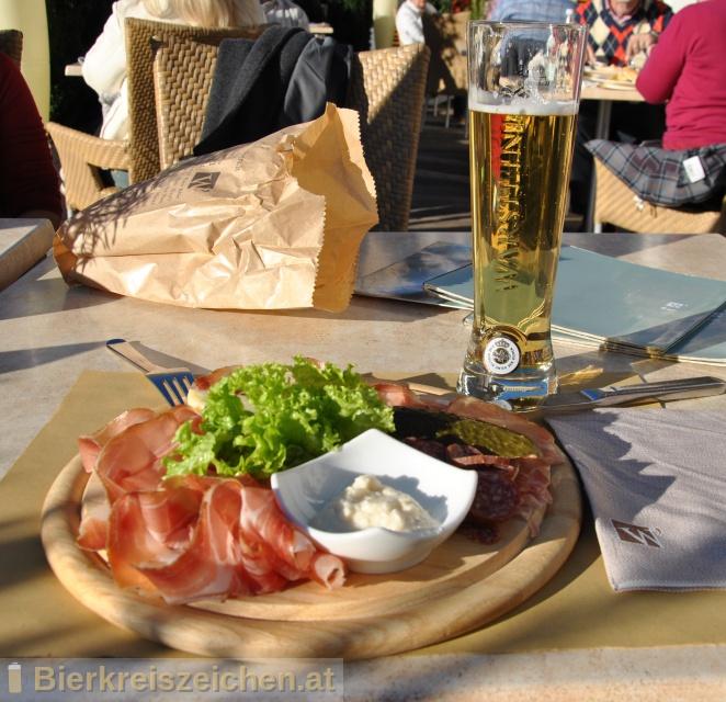 Foto eines Bieres der Marke Warsteiner Premium Pilsener aus der Brauerei Warsteiner Brauerei