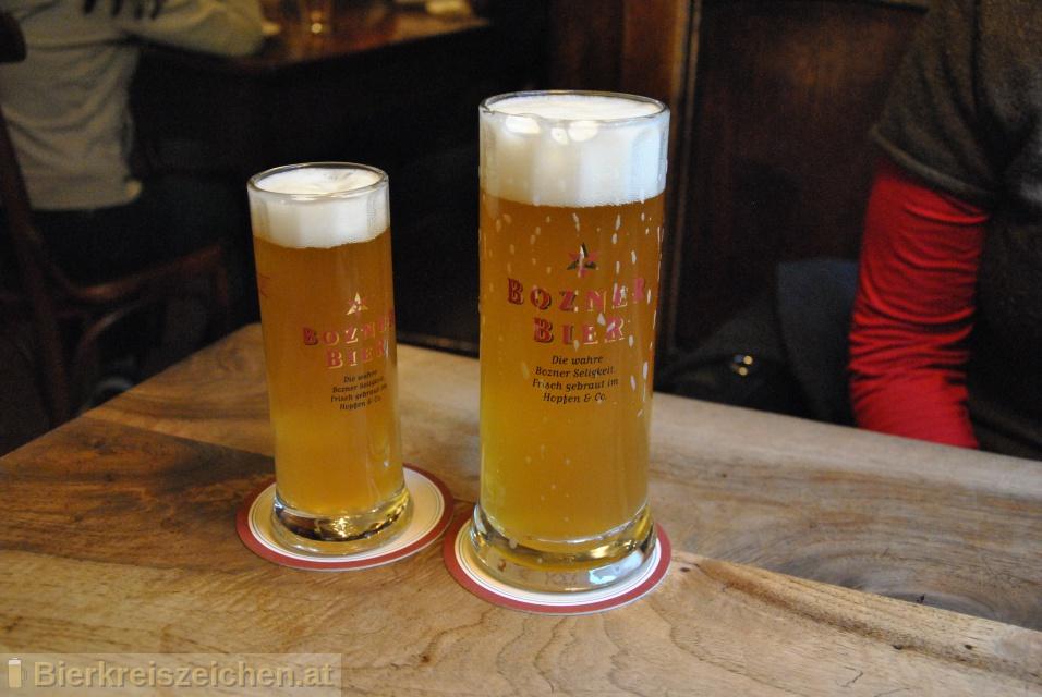 Foto eines Bieres der Marke Bozner Bier aus der Brauerei Hopfen und Co