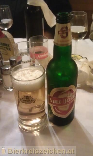 Foto eines Bieres der Marke Null Komma Josef aus der Brauerei Ottakringer Brauerei