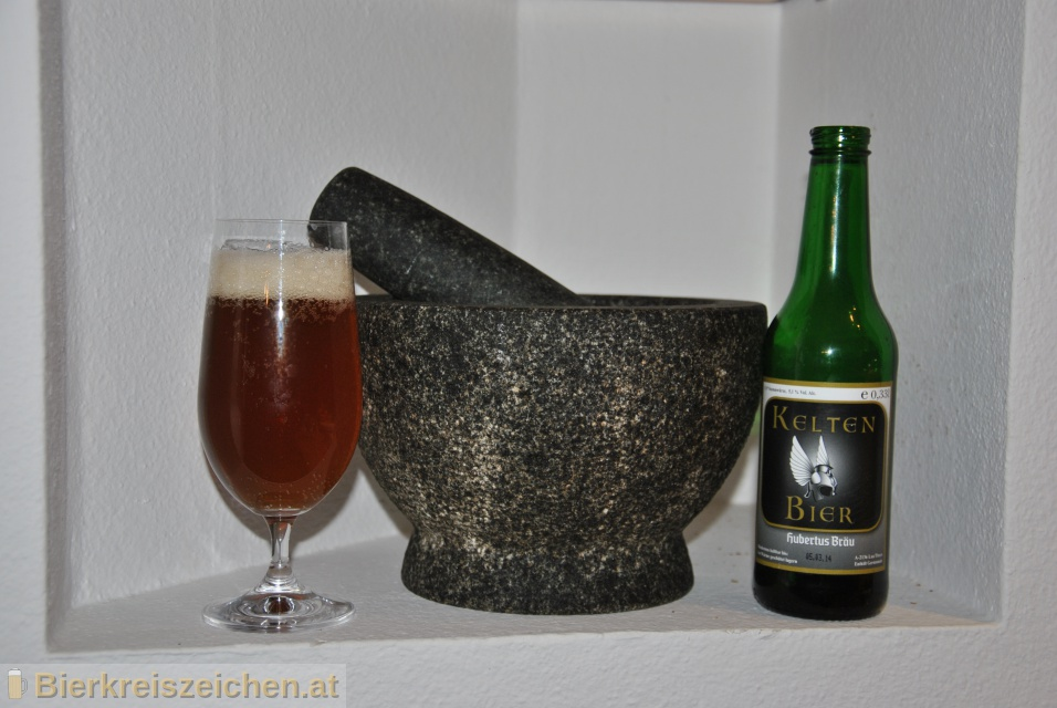Foto eines Bieres der Marke Hubertus Keltenbier aus der Brauerei Hubertus Bräu