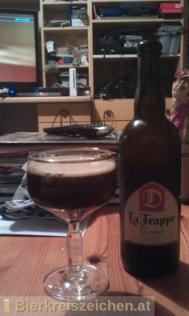 Foto eines Bieres der Marke La Trappe - Dubbel aus der Brauerei Bierbrouwerij De Koningshoeven