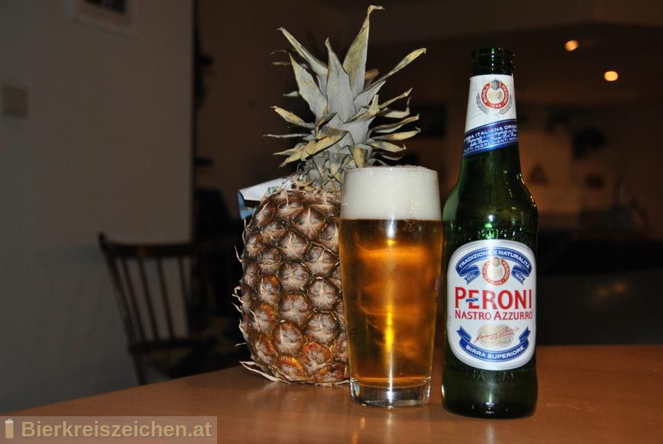 Foto eines Bieres der Marke Peroni Nastro Azzurro aus der Brauerei Birra Peroni S.p.A.