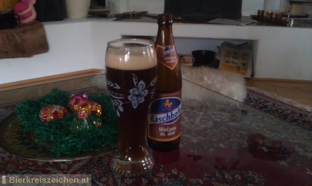 Foto eines Bieres der Marke Raschhofer Weizen Dunkel aus der Brauerei Brauerei Raschhofer