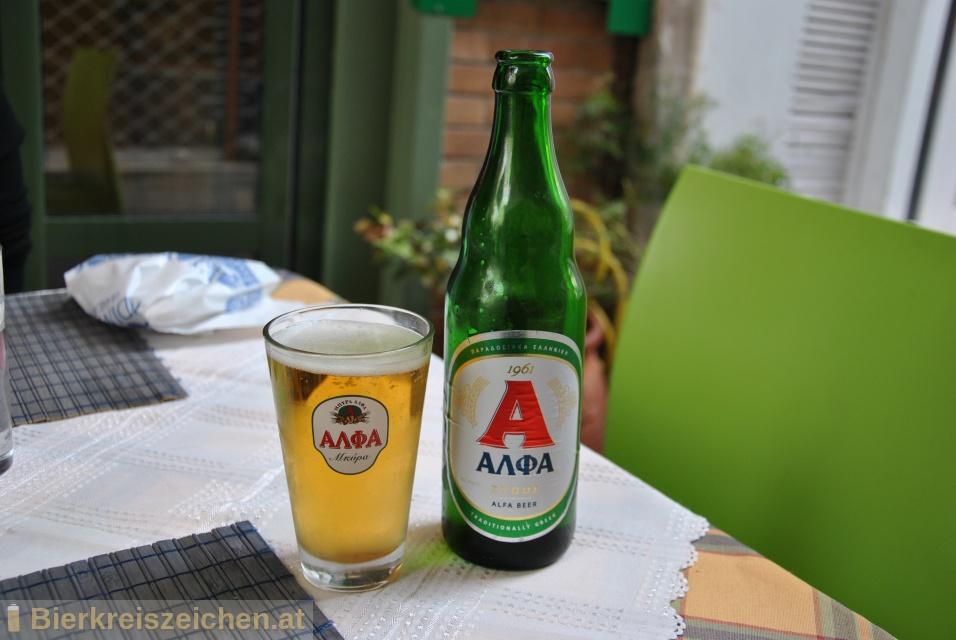 Foto eines Bieres der Marke Alpha Hellenic Beer aus der Brauerei Athenian Brewery