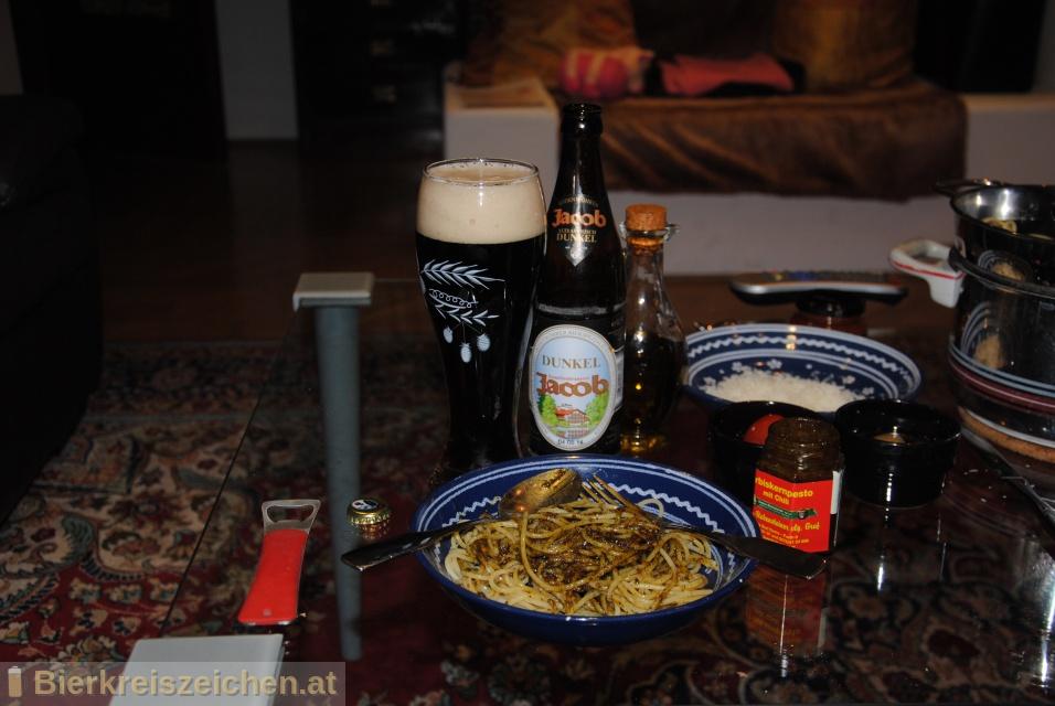 Foto eines Bieres der Marke Jacob Dunkel aus der Brauerei Familienbrauerei Jacob