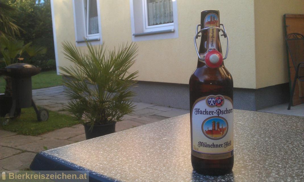 Foto eines Bieres der Marke Hacker Pschorr Münchner Hell aus der Brauerei Hacker-Pschorr