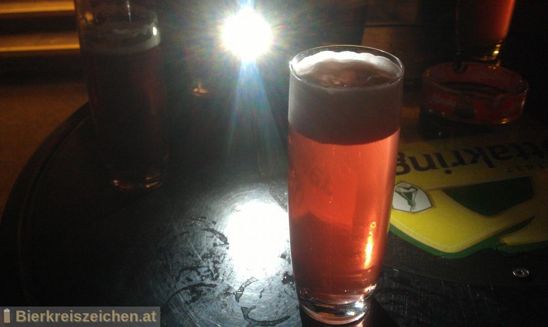 Foto eines Bieres der Marke Ottakringer Kirschbier aus der Brauerei Ottakringer Brauerei