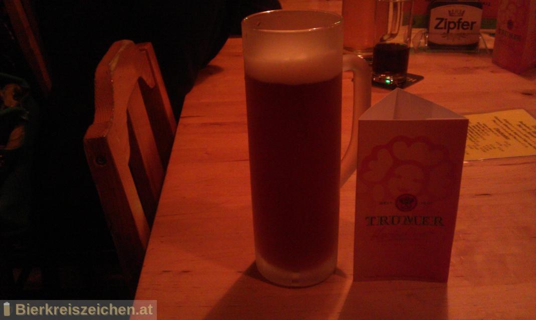 Foto eines Bieres der Marke Trumer Herbstbier aus der Brauerei Trumer Privatbrauerei
