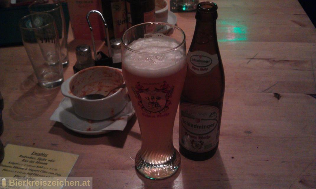 Foto eines Bieres der Marke Schladminger Schnee Weiße Bio aus der Brauerei Schladminger