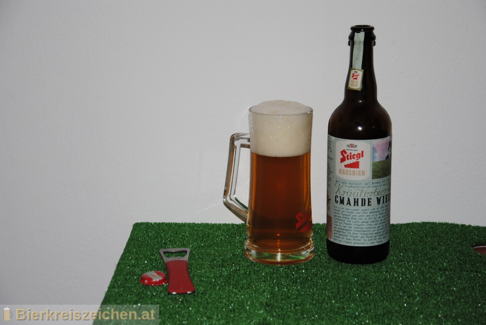 Foto eines Bieres der Marke Stiegl Hausbier - Gmahde Wiesn aus der Brauerei Stieglbrauerei