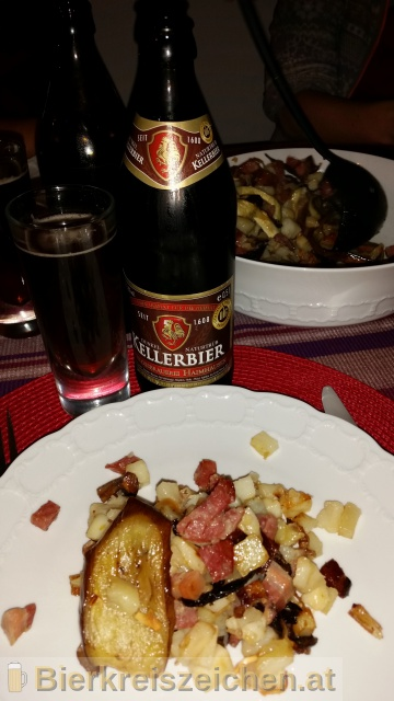 Foto eines Bieres der Marke Kellerbier Dunkel aus der Brauerei Schloßbrauerei Haimhausen