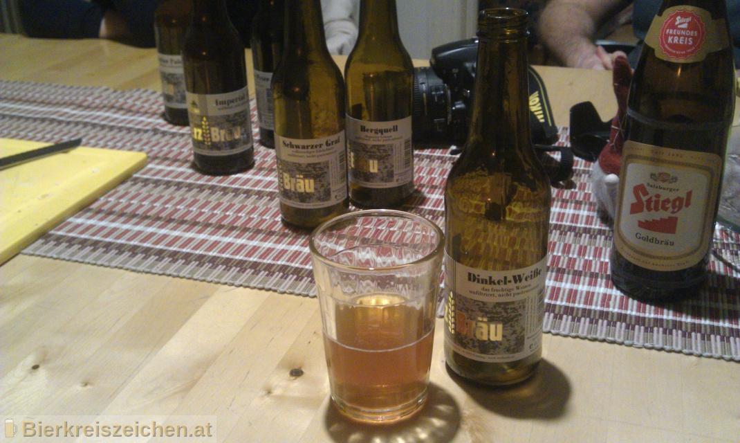 Foto eines Bieres der Marke Erzbräu Dinkel-Weisse aus der Brauerei Bruckners Erzbräu