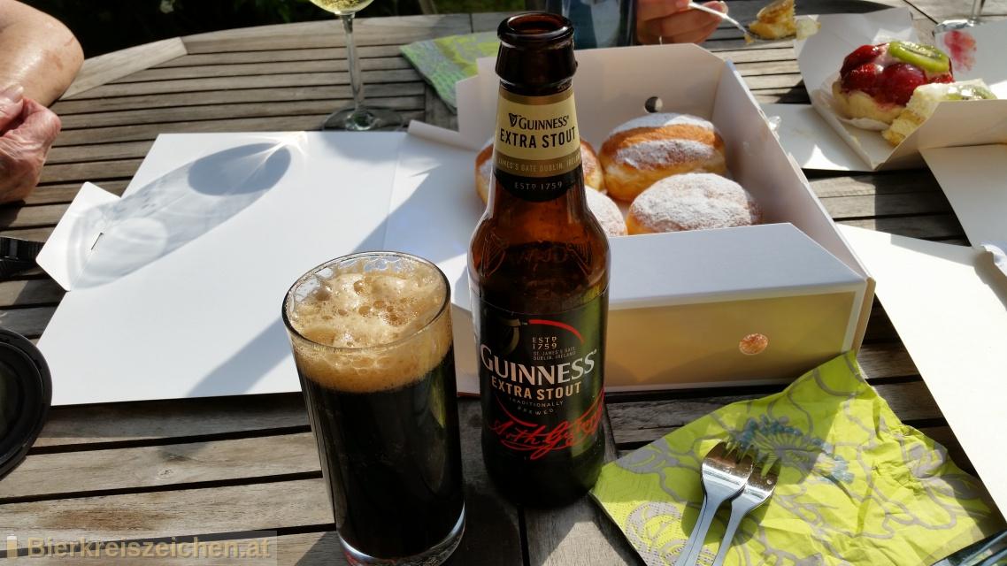 Foto eines Bieres der Marke Guinness Extra Stout aus der Brauerei Guinness