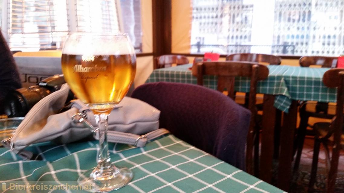 Foto eines Bieres der Marke Alhambra Especial aus der Brauerei Cervezas Alhambra, S.L.U.