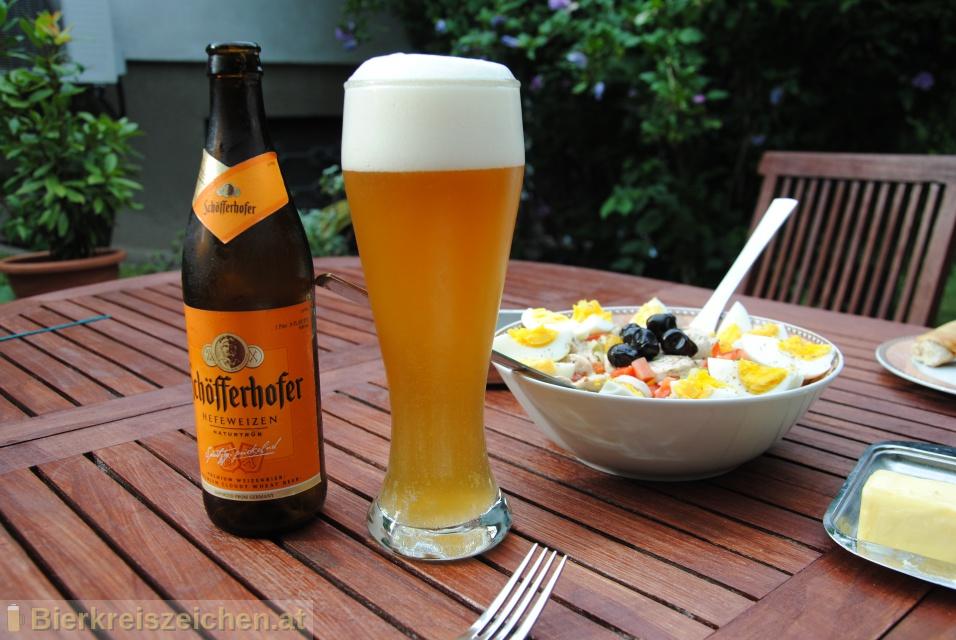 Foto eines Bieres der Marke Schöfferhofer Hefeweizen aus der Brauerei Binding-Brauerei
