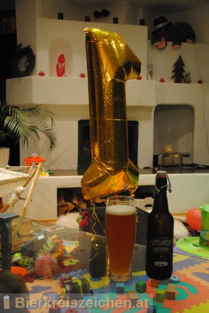 Foto eines Bieres der Marke Festbier aus der Brauerei Steyrer Hofbräu