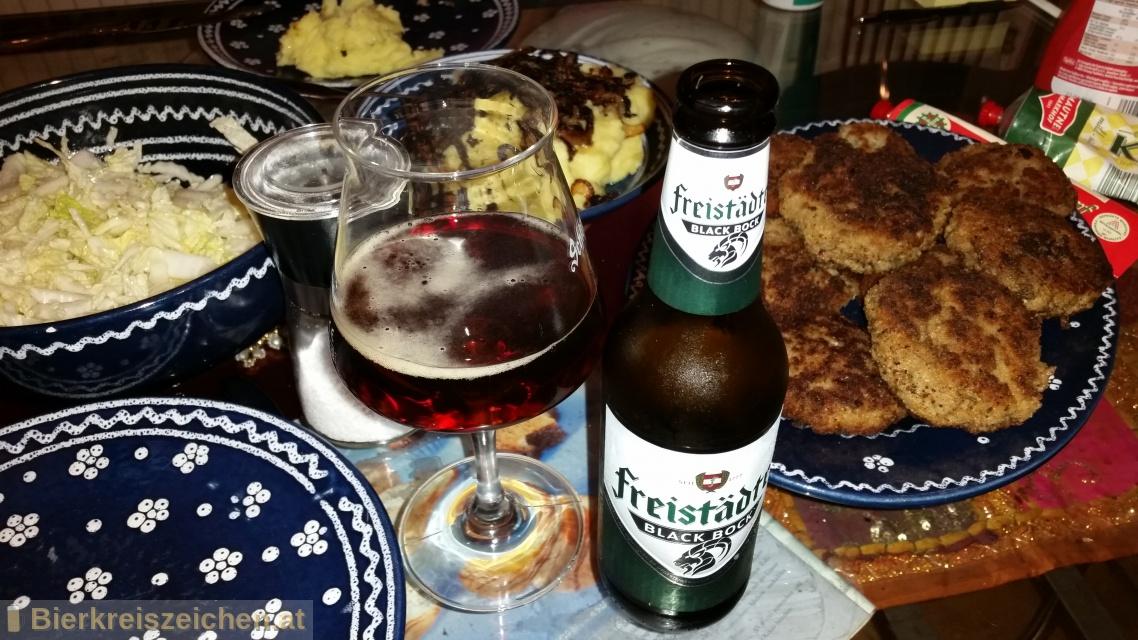 Foto eines Bieres der Marke Freistädter Black Bock aus der Brauerei Braucommune in Freistadt
