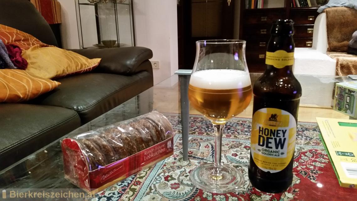 Foto eines Bieres der Marke Organic Honey Dew aus der Brauerei Fuller's Brewery