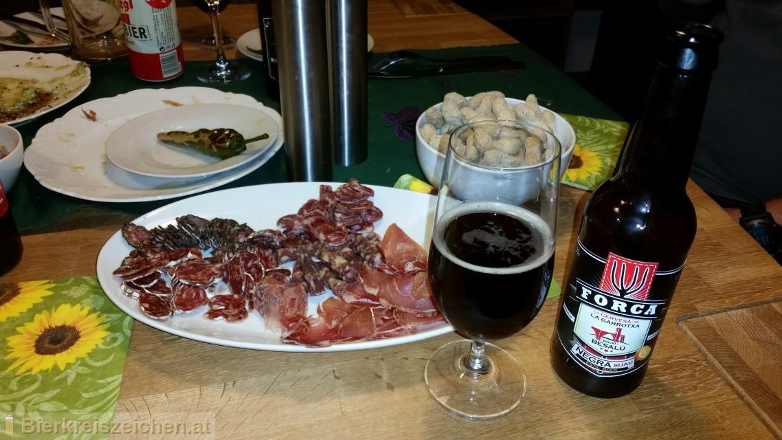 Foto eines Bieres der Marke La Cervesa de la Garrotxa - Edicio Besalú aus der Brauerei Cerveses Forca