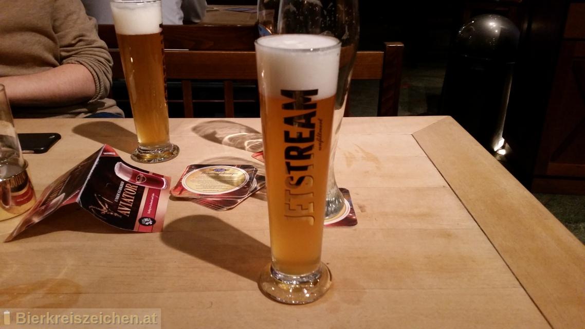 Foto eines Bieres der Marke Jetstream aus der Brauerei Airbräu