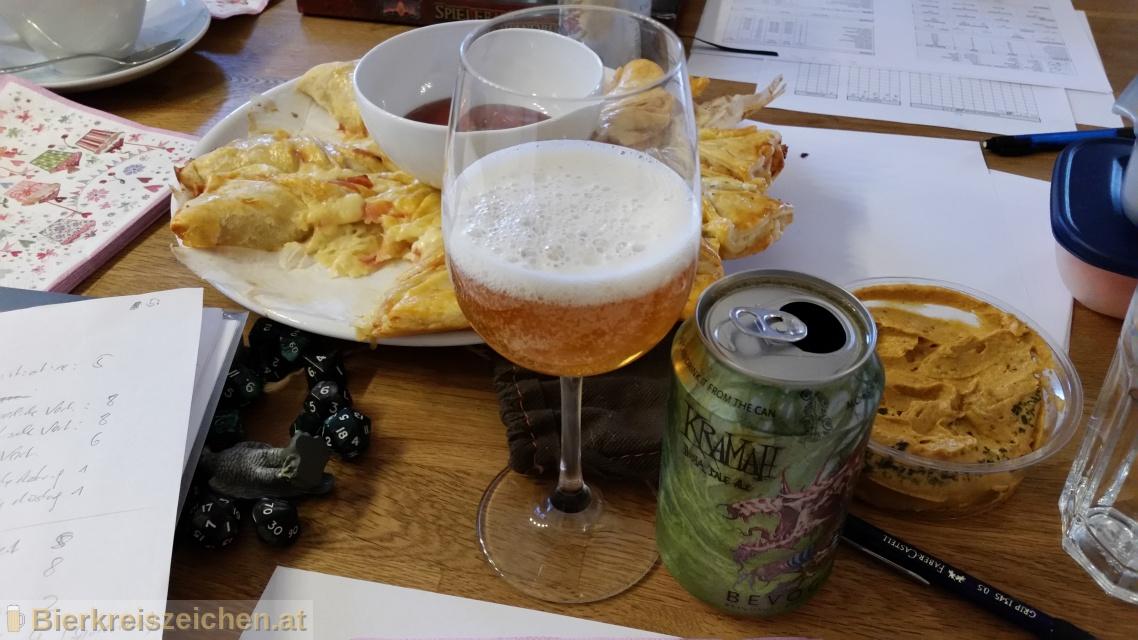 Foto eines Bieres der Marke KRAMAH India Pale Ale aus der Brauerei Bevog Craft Brewery