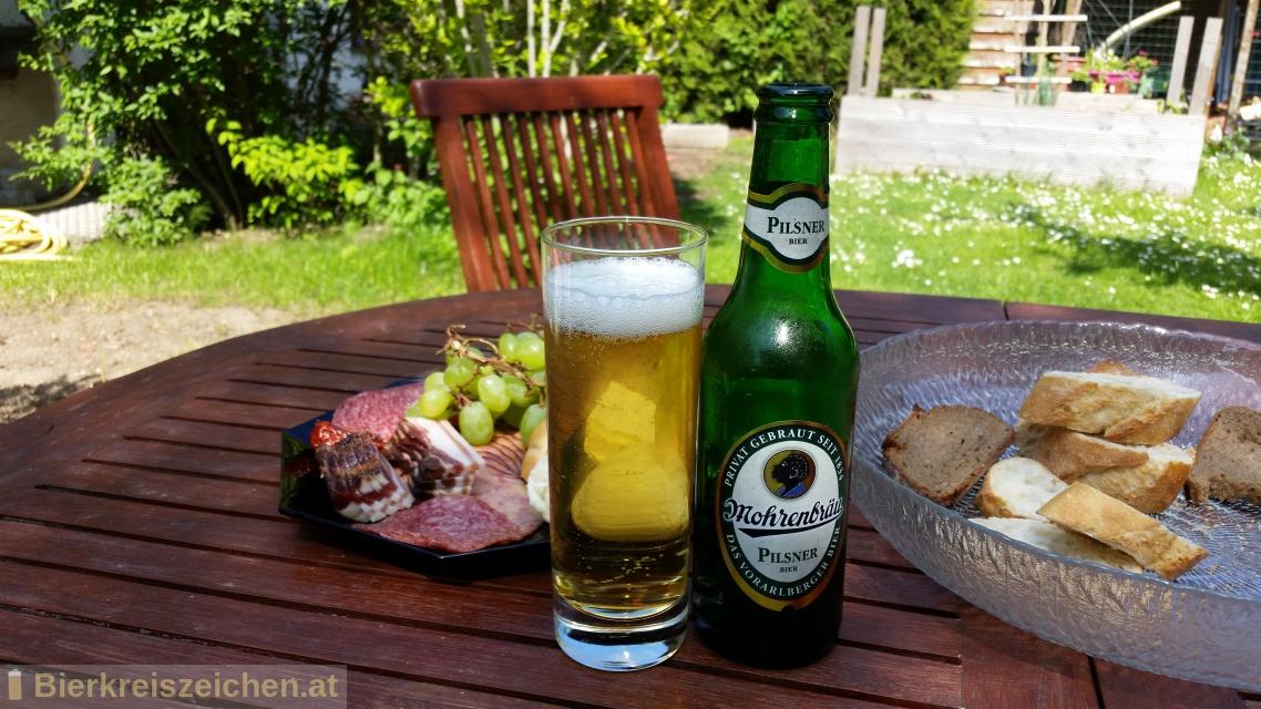 Foto eines Bieres der Marke Mohren Pilsner aus der Brauerei Mohrenbrauerei