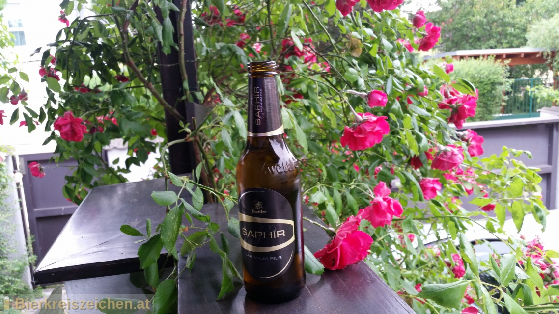 Foto eines Bieres der Marke Saphir - Premium Pils aus der Brauerei Privatbrauerei Zwettl