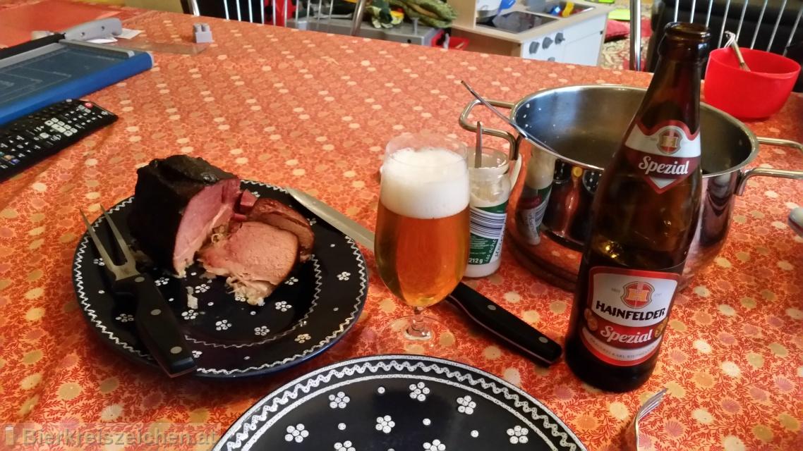 Foto eines Bieres der Marke Hainfelder Spezialbier Hell aus der Brauerei Brauerei Hainfeld