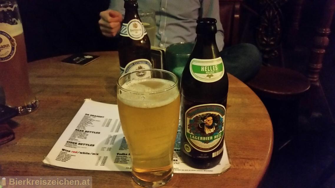 Foto eines Bieres der Marke Lagerbier Hell aus der Brauerei Augustiner-Bräu Wagner KG