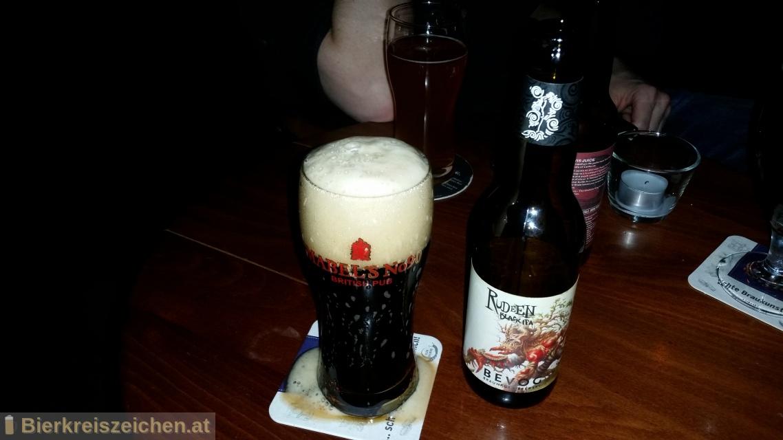 Foto eines Bieres der Marke RUDEEN Black IPA aus der Brauerei Bevog Craft Brewery