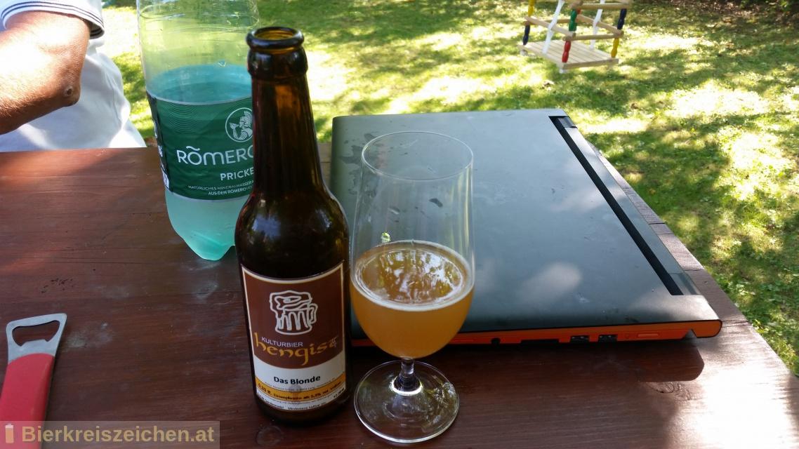 Foto eines Bieres der Marke Das Blonde Hengist aus der Brauerei Kulturbier Hengist