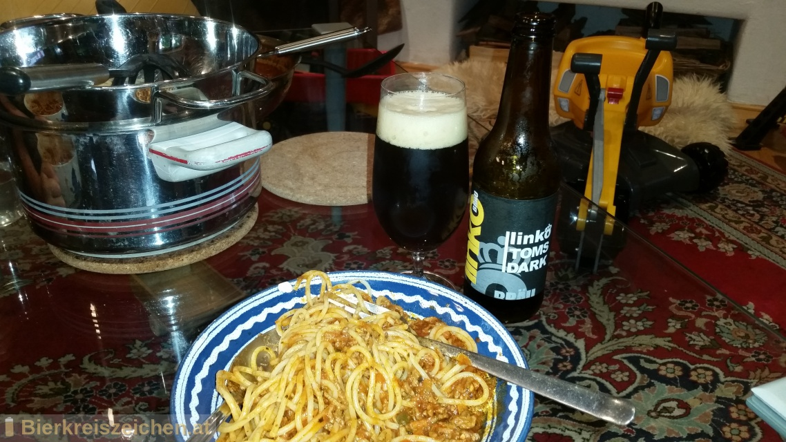 Foto eines Bieres der Marke Linko Tom's Dark aus der Brauerei Gasthof  & Brauerei Linko