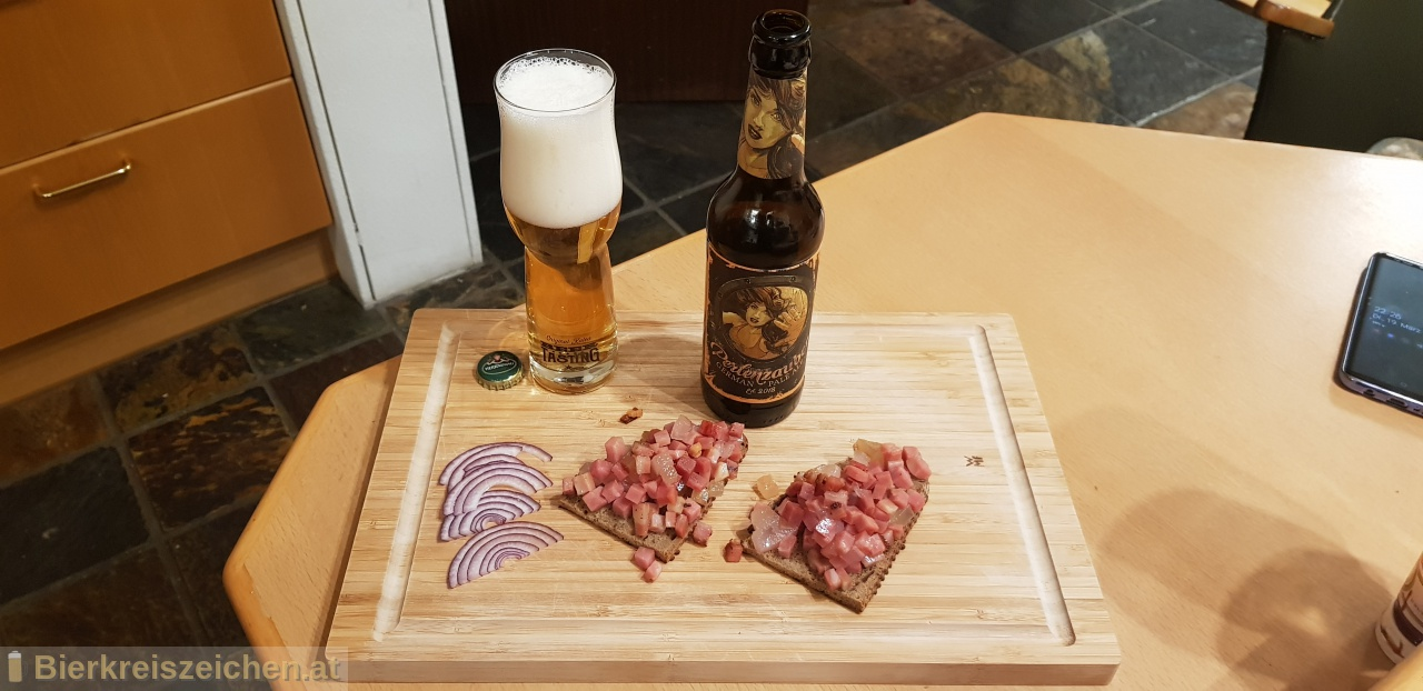 Foto eines Bieres der Marke Perlenzauber - German Pale Ale aus der Brauerei Hohenthanner Schlossbrauerei