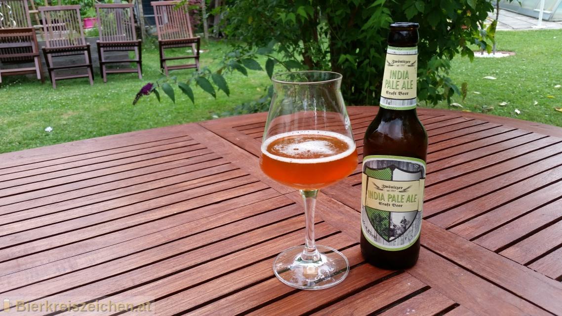 Foto eines Bieres der Marke Zwönitzer India Pale Ale aus der Brauerei Brauerei Zwönitz