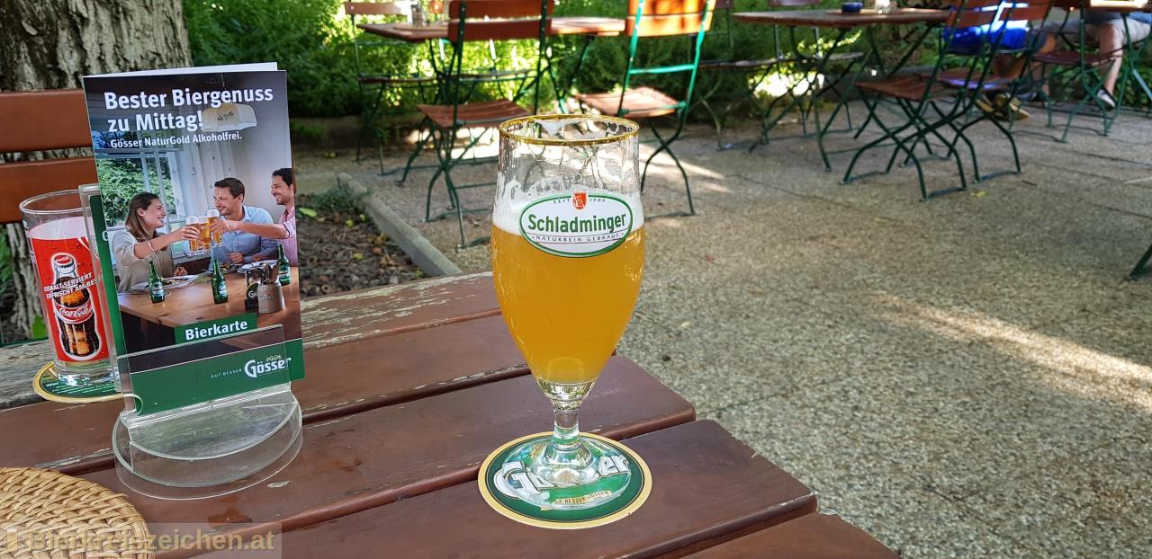 Foto eines Bieres der Marke Schladminger BioZwickl aus der Brauerei Schladminger