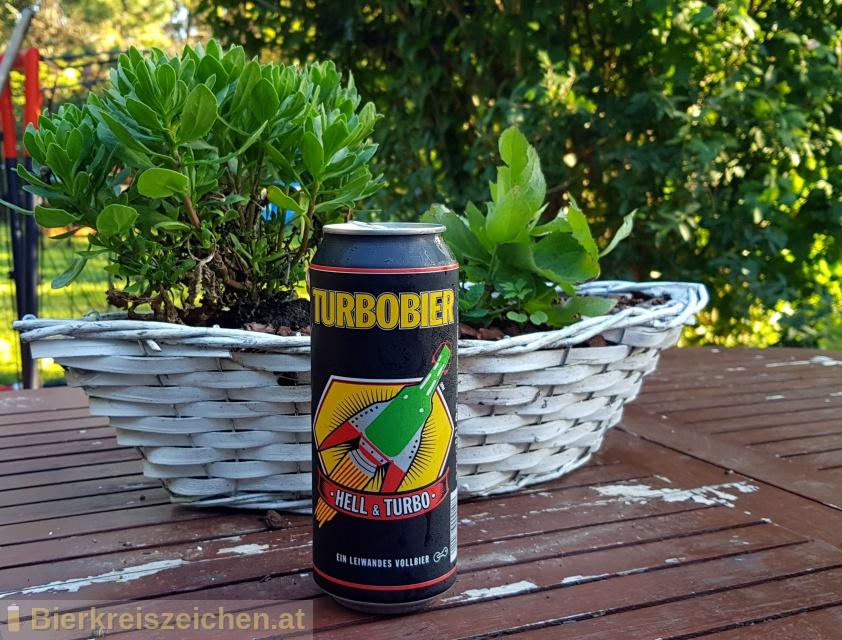 Foto eines Bieres der Marke Turbobier aus der Brauerei Turbobier