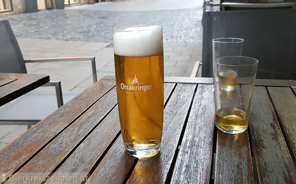 Foto eines Bieres der Marke Ottakringer - Gold Fassl - Spezial aus der Brauerei Ottakringer Brauerei
