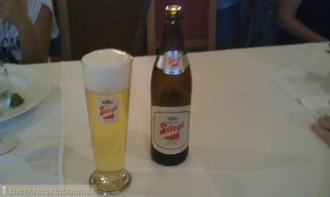 Foto eines Bieres der Marke Stiegl Pils aus der Brauerei Stieglbrauerei