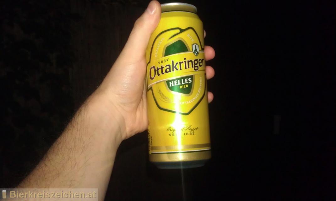 Foto eines Bieres der Marke Ottakringer Helles aus der Brauerei Ottakringer Brauerei