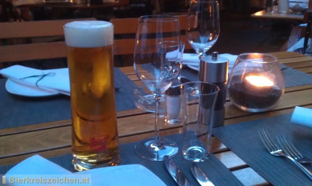Foto eines Bieres der Marke Stiegl Goldbräu aus der Brauerei Stieglbrauerei