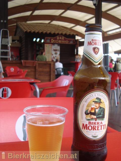 Foto eines Bieres der Marke Birra Moretti Premium Lager aus der Brauerei Birra Moretti