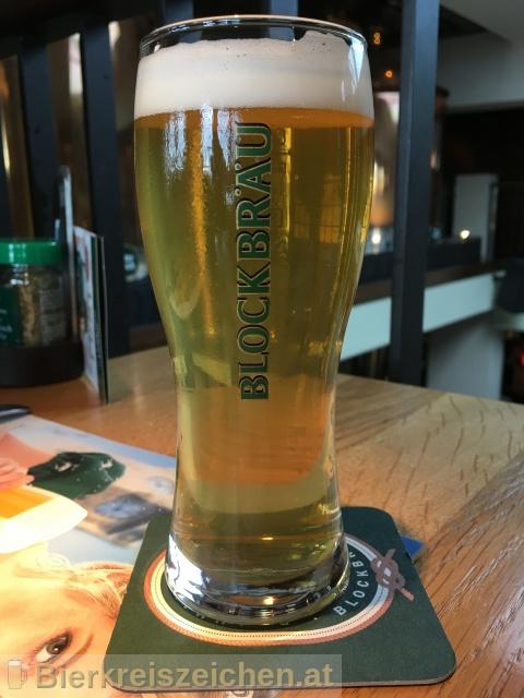 Foto eines Bieres der Marke Blockbräu Pilsener aus der Brauerei Blockbräu