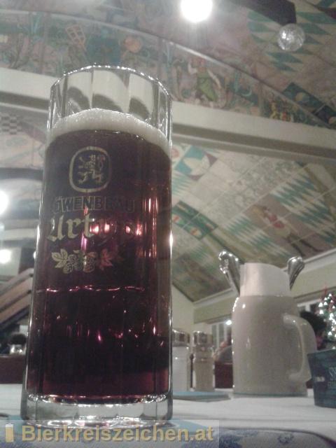 Foto eines Bieres der Marke Löwenbräu Dunkel aus der Brauerei Löwenbräu