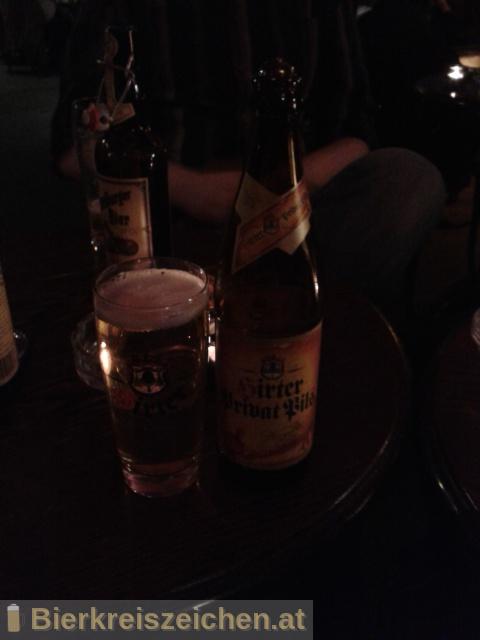 Foto eines Bieres der Marke Hirter Privat Pils aus der Brauerei Brauerei Hirt
