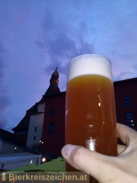 Foto eines Bieres der Marke White Hop-Losion aus der Brauerei TU München - Weihenstephan